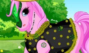 Happy Pony Dress Up