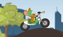 Tom y Jerry Andan en Bicicleta