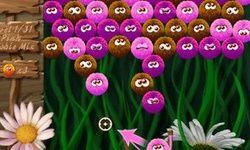 Существа на лужайке
