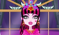 Draculaura Princess Dress-Up