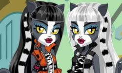 Vestir a las Hermanas WereCat de Monster High