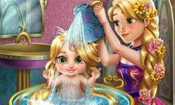 Rapunzel Baña a la Bebé