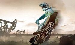 Motocicleta pe Drumuri Intunecate