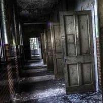 Flucht Aus Dem Dunklen Irrenhaus