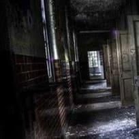 Escape del Manicomio Oscuro